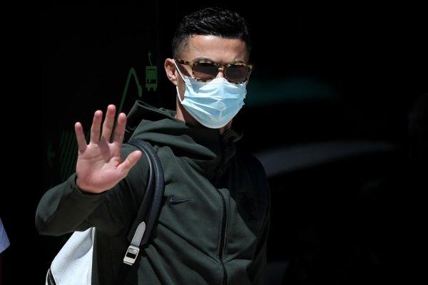 Cristiano Ronaldo returns to report at Juventus